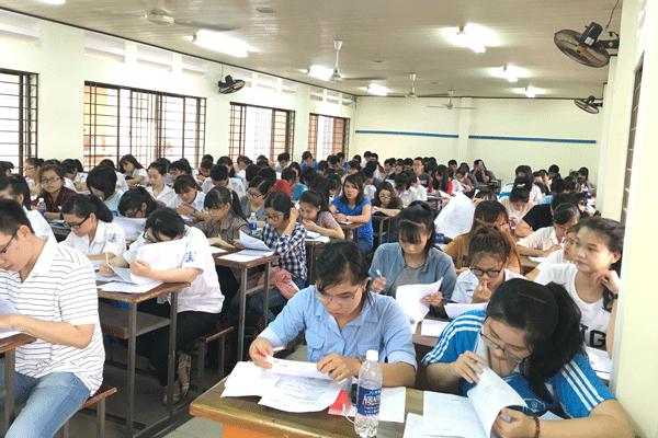 Lớp học xuất nhập khẩu tại đại học ngoại thương