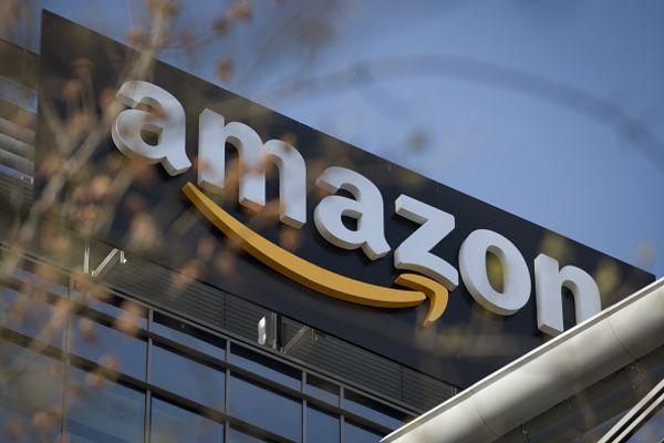 giá trị thị trường Amazon cán mốc 1000 tỷ USD