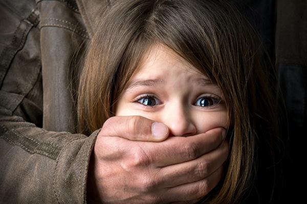 Bố mẹ hãy dạy con gái kỹ năng tự bảo vệ bản thân