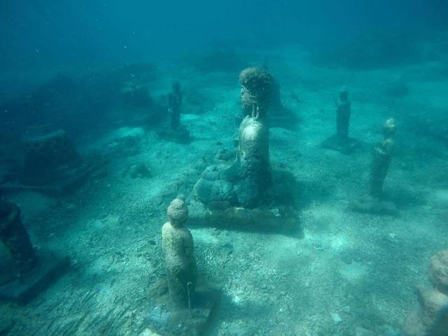 quần thể công trình tôn giáo dưới nước ở Indonesia